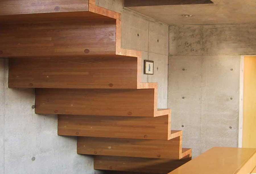 片持ち階段(N-HOUSE)